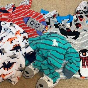 5 total size 12 month carters footed pajamas